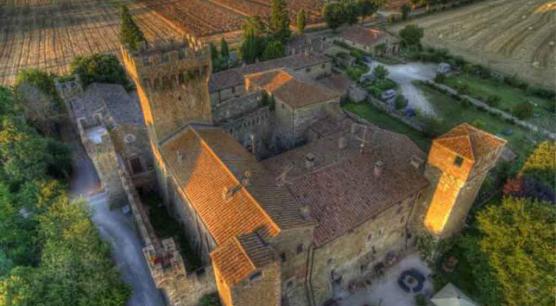Appartamento con giardino nel Castello Medievale della Val d'Orcia vicino Pienza.