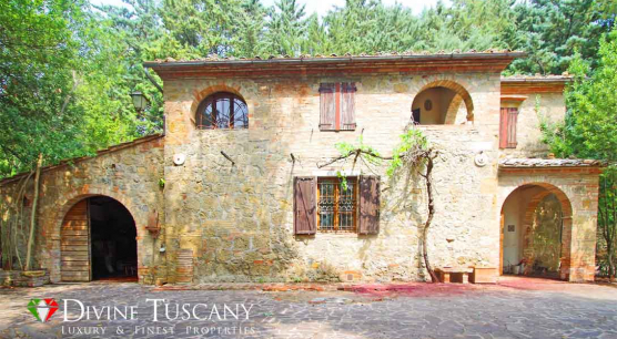 COUNTRY HOUSE TO BE RESTORED IN MONTEPULCIANO