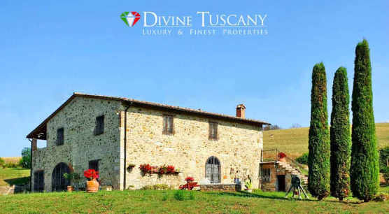 Panoramic country house in Val d'Orcia