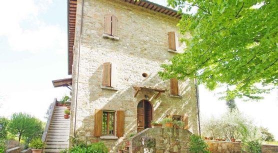 Country house with park in Montepulciano