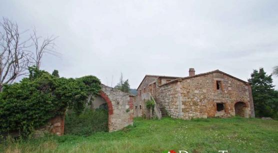 Casale da ristrutturare a Sarteano