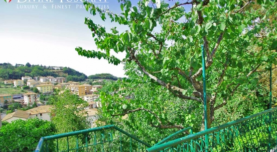 Appartamento con giardino a Chianciano Terme.